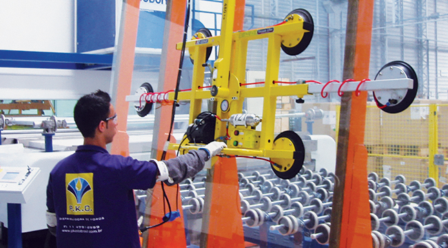 Processo de laminação com PVB na beneficiadora PKO