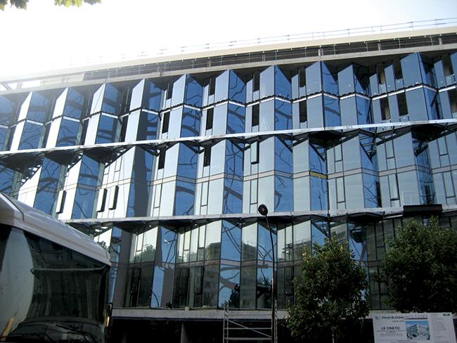 projeto dos arquitetos franceses Denis Valode e Jean Pistre,