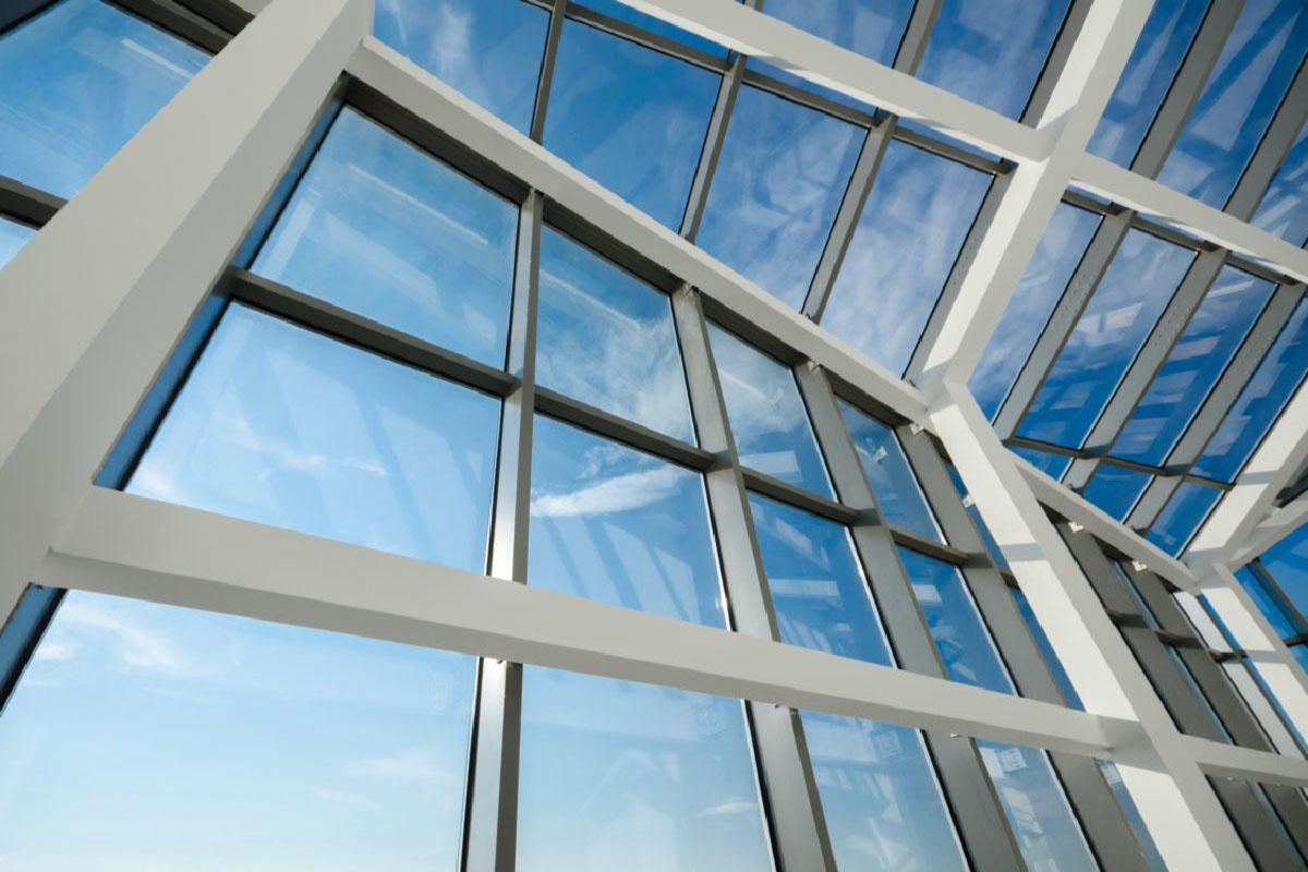 fachada e cobertura de vidro