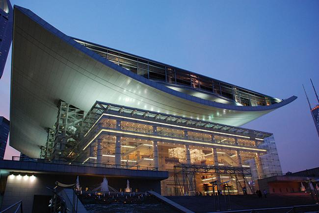 O Shanghai Opera Theatre, na China, recebeu vidros Pyroswiss