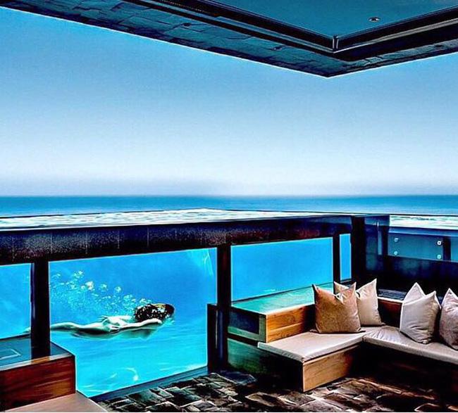 Confira alguns modelos de piscina de vidro revista vidro for Piscinas de aluminio