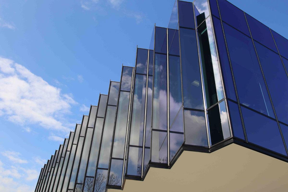 Localizado na Austrália, o Caribbean Park conta com as estruturas envidraçadas de vidro duplo e algumas com proteção solar.